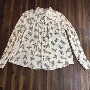 Anthropologie Mauve feather patterned blouse